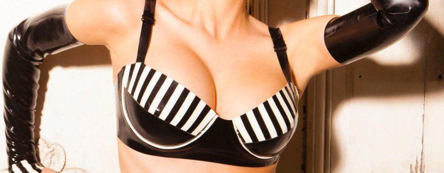 Opwindende latex lingerie voor dames